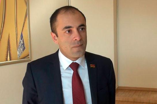 Ռազմական գործողությունների դադարեցման օրվա, տեղանքի մասին որոշումներն այսուհետ կայացվելու են Երևանում, ժողովրդի վստահության քվեն ստացած իշխանության կողմից. պատգամավոր