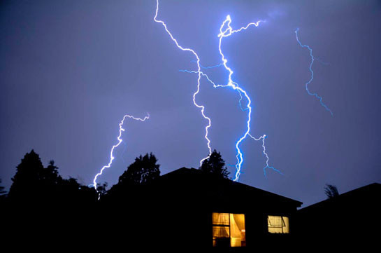 Երեկոյան ժամերին սպասվում են ամպրոպային բնույթի ինտենսիվ անձրևներ
