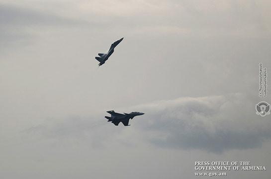 Правительство Армении: Истребители Су-30 СМ вышли на боевое дежурство (Видео)