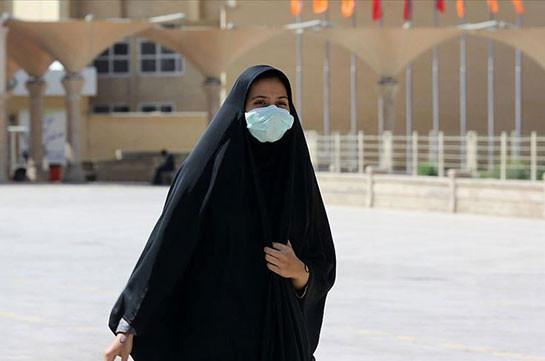 В Иране число заразившихся коронавирусом превысило 300 тысяч