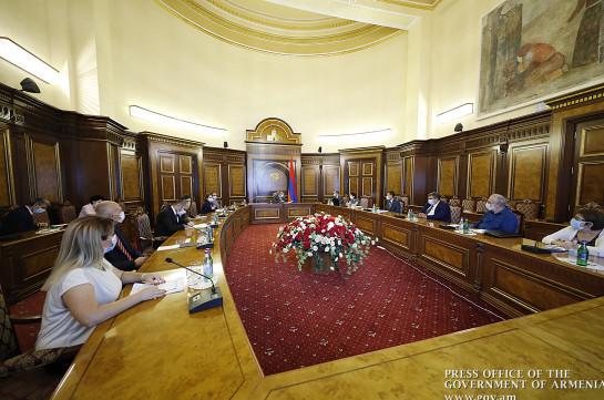 В правительстве обсуждены изменения в образовательной сфере