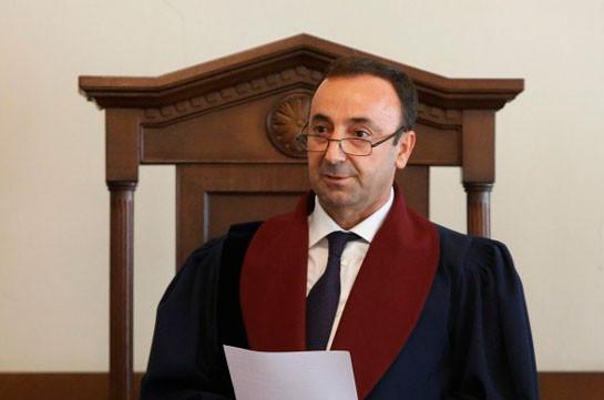 После возвращения из отпуска Грайр Товмасян участвовал во всех заседаниях – Конституционный суд