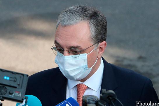 Мы остаемся приверженными мирному урегулированию – глава МИД Армении