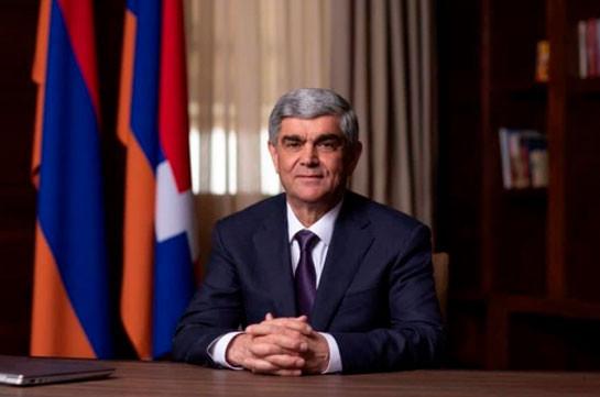 Сейчас переговоры заведены в тупик первым лицом политической власти Армении – Виталий Баласанян