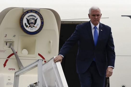 Самолет вице-президента США вернулся в аэропорт из-за столкновения с птицей
