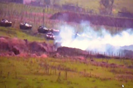 Кадры уничтожения силами Карабаха бронетехники ВС Азербайджана (Видео)