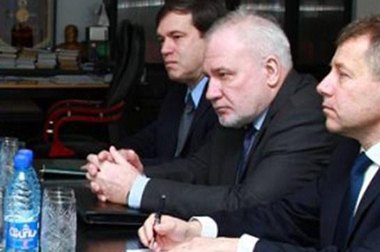 Сопредседатели призывают Армению и Азербайджан немедленно прекратить боевые действия и возобновить переговоры