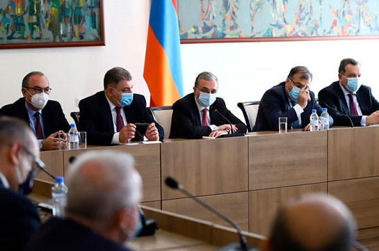 Armenia's FM meets ambassadors, briefs on current situation in Nagorno Karabakh