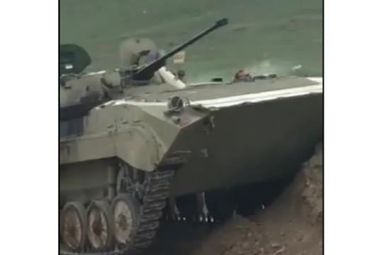 Мои боевые товарищи вместе с другими нашими парнями уничтожили одну единицу бронетехники противника, 3 конфисковали – Араик Арутюнян (Видео)