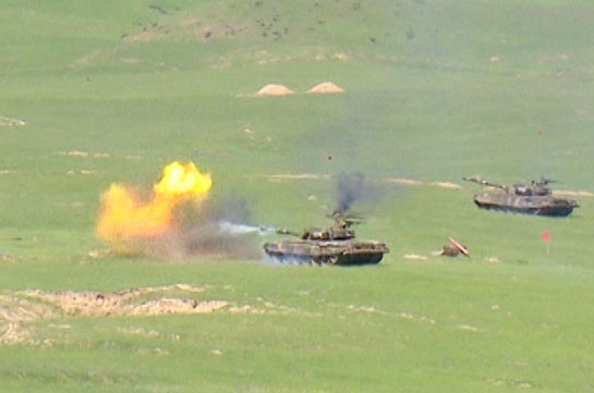 Fierce battles continue in eastern direction: MOD representative