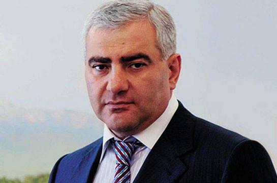 Самвел Карапетян восстановит разбомбленный Азербайджаном роддом в Степанакерте