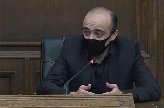 За последние 30 лет это самый уязвимый и позорный документ как с правовой точки зрения, так и в контексте интересов Армении – Тарон Симонян