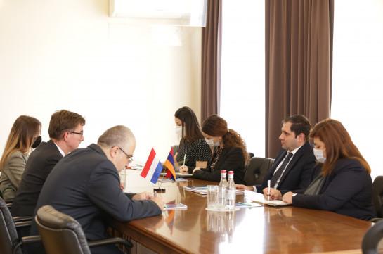 Սուրեն Պապիկյանը և ՀՀ-ում Նիդեռլանդների դեսպանը քննարկել են վարչատարածքային բարեփոխումների գործընթացում փորձի փոխանակմանն առնչվող հարցեր