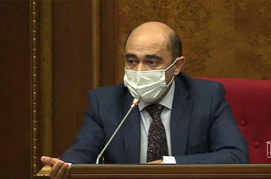 Эдмон Марукян попросил руководство парламента обеспечить присутствие генерала, подтвердившего возможность отмены военного положения