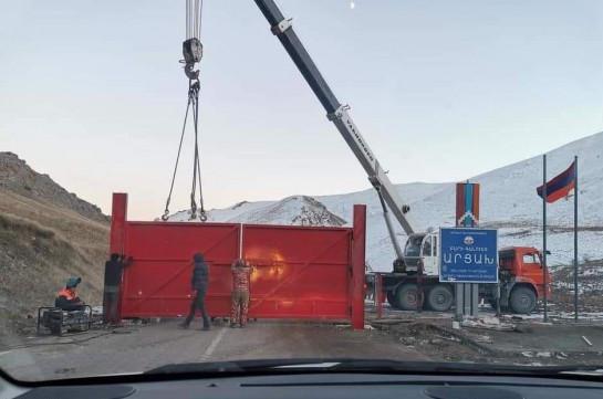 Քարվաճառում երեկ դրված դարպասները կոտրվել են, ադրբեջանցիներն առաջ են գալիս, հնարավոր է, Սոթքի հանքում են. Թագուհի Թովմասյան