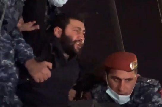 Только в отделение полиции Норка доставлены 23 участника акции протеста