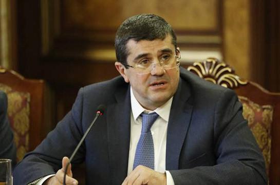 Президент Карабаха сложил полномочия главы партии «Свободная родина» и утвердит новый состав правительства