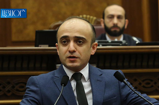 Էլ չգիտեմ՝ ոնց բացատրեմ ձեզ. Պատգամավորը՝ Ադրբեջանի հետ բարեկամություն անելու վերաբերյալ հայտարարությունները մեր դեմ օգտագործելու մասին