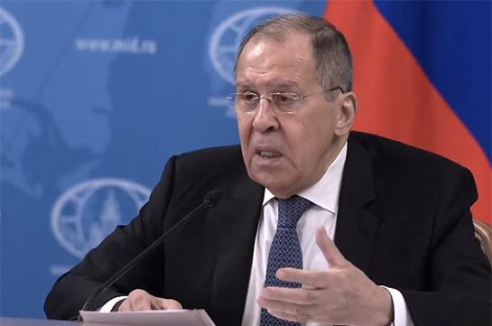 Статус Нагорного Карабаха сознательно не упомянут в трехсторонних договоренностях от 9 ноября - Лавров