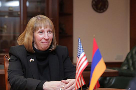 Политическое решение вопроса статуса Нагорного Карабаха важно для укрепления регионального мира и стабильности – посол США в Армении
