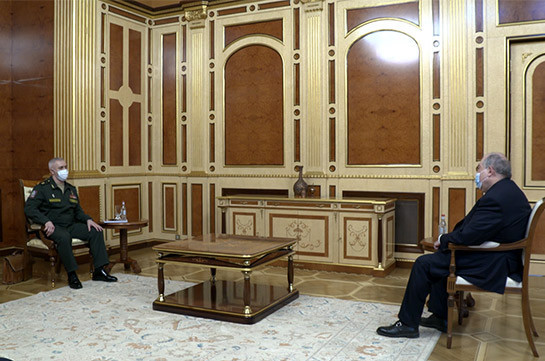 Armenia's President meets with commander of Russian peacekeeping contingent in Nagorno Karabakh (video)