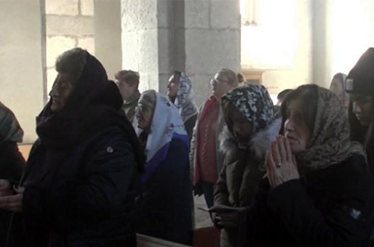 Паломники в Нагорном Карабахе посетили монастырь Амарас в сопровождении российских миротворцев (Видео)