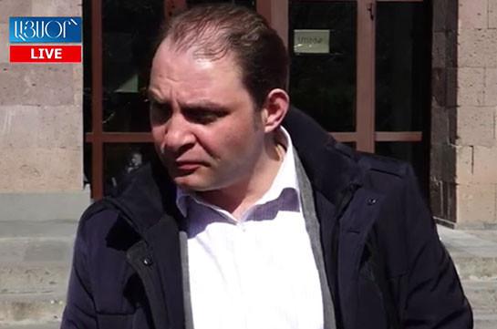 В суд не представлено никаких фактических данных о связи между Ара Сагателяном и «Гагиком Согомоняном» – адвокат