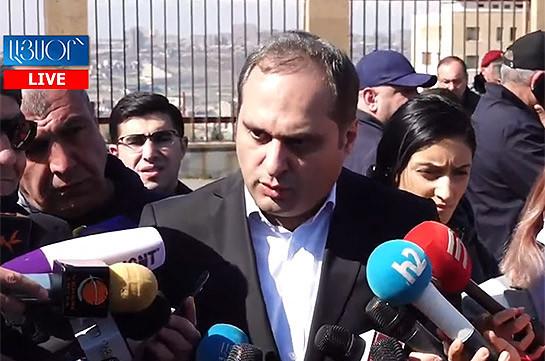 Президент Армении до 9 марта имеет право обратиться в Конституционный суд – Ара Зограбян