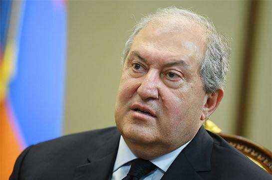 После Сovid-19 у президента Армении возникли осложнения, он проходит обследование