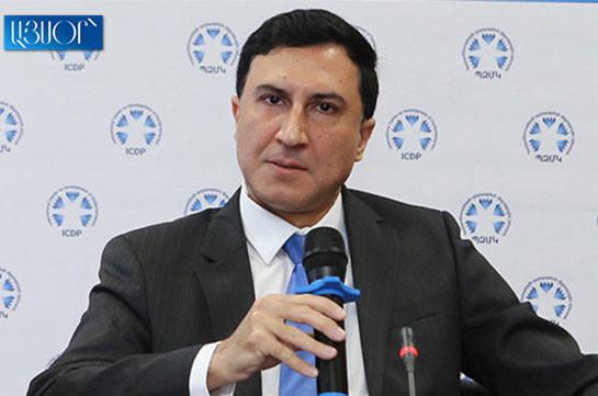 Григор Мурадян требует от суда аннулировать распоряжение председателя КС Армана Диланяна и восстановить его в должности