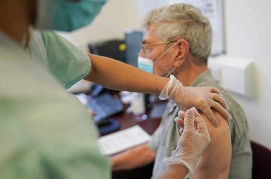 В США закрыли два центра по вакцинации из-за побочных реакций