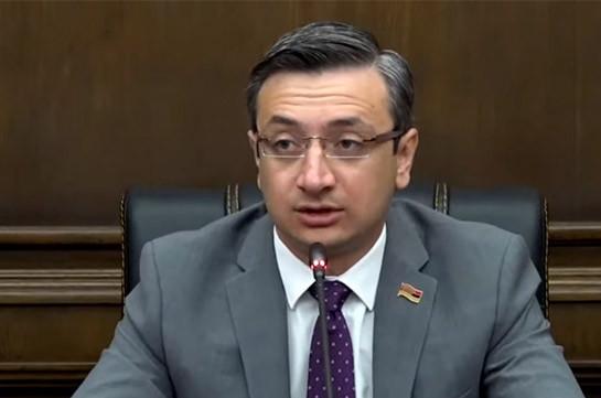 Դա էժանագին քայլ է. Գորգիսյանը՝ ժամկետային ծառայությունը 5 տարին մեկ 3-ամսյա դարձնելու՝ վարչապետի հայտարարության մասին