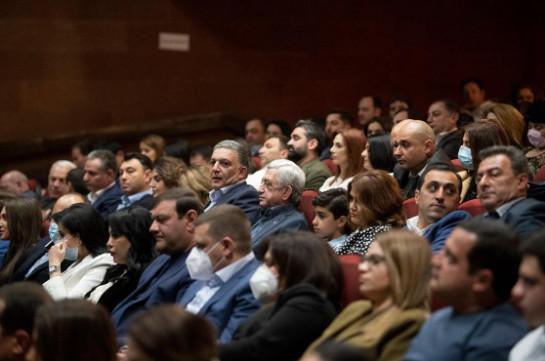 «Նկարահանելու ենք մեր զրույցը… նախագահը կխոսի 2018-ի մասին, մարդկանց մասին...». Մհեր Մկրտչյանը Սերժ Սարգսյանի հետ հարցազրույցի է պատրաստվում