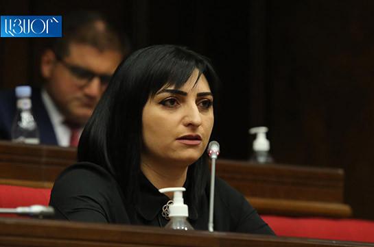 Тагуи Товмасян: На передовой все еще остаются палатки, в некоторых случаях – из полиэтилена, в то время как азербайджанцы уже роют окопы у общины Тех