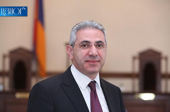 Никол Пашинян воздержался лично подписать свое заявление об отставке – Эдгар Казарян