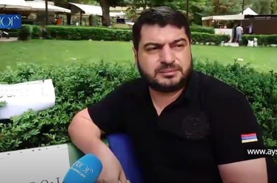 Քաղաքացին հացադուլ է անում՝ պահանջելով, որ Հայաստանի երեք նախագահները միաբանվեն (Տեսանյութ)