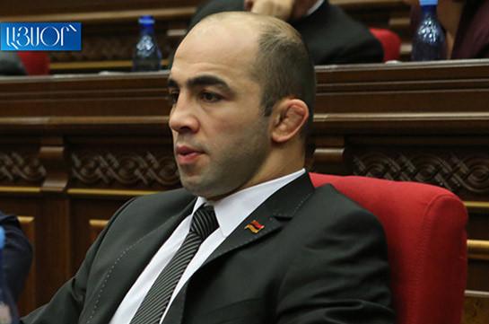 Եթե ընտրություններում հաղթի ամեն ինչ կործանած վարչապետը, բոլոր պետությունները կարո՞ղ են ենթադրել, որ Հայաստանում բնակչությունը համակերպվել է կորուստների հետ. Արսեն Ջուլֆալակյան