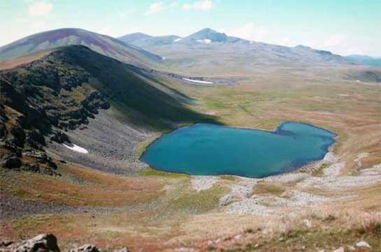 Azeri forces to pull back in Syunik but to leave two border points near Armenian positions