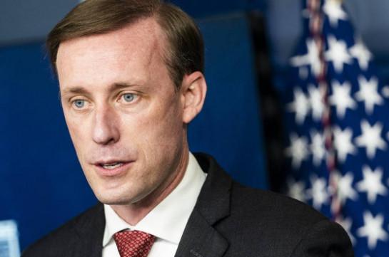 Советник Байдена заявил Алиеву, что США считают передвижения военных на границе провокационными и безответственными