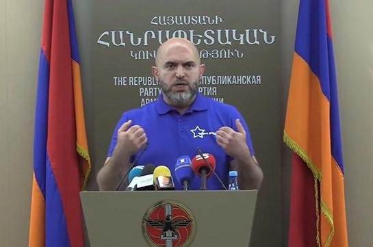 Пашинян впал в истерику из-за резкого роста рейтинга блока «Честь имею» – Армен Ашотян