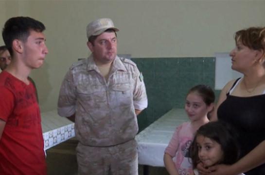 Российские миротворцы провели адресную гуманитарную помощь вынужденным переселенцам и многодетным семьям в Нагорном Карабахе