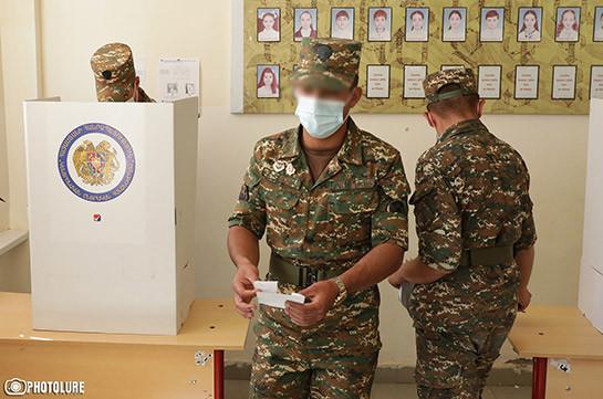 Категорически запрещается проводить предвыборную агитацию и воздействовать на голосование военнослужащих – Минобороны Армении