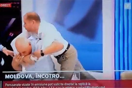 Մոլդովայի ՆԳ նախկին փոխնախարարը ուղիղ եթերում հարվածել է երկրի նախագահի նախկին խորհրդականին (Տեսանյութ)