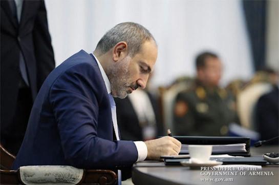 Сурен Саакян освобожден от должности заместителя министра обороны Армении