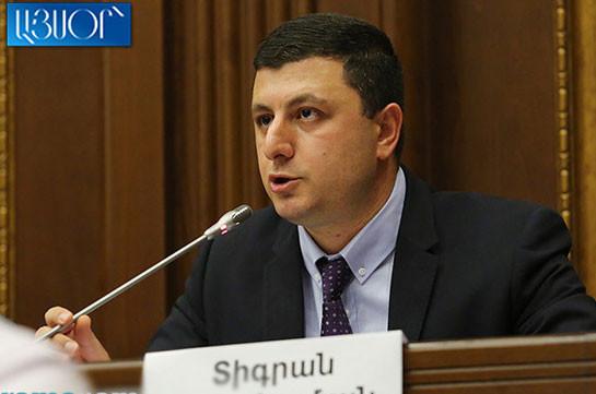 Военно-политическая обстановка остается напряженной, а мы заняты в парламенте непонятно чем – Тигран Абрамян