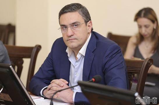 Артур Казинян в третий раз не избран заместителем председателя комиссии по вопросам обороны и безопасности
