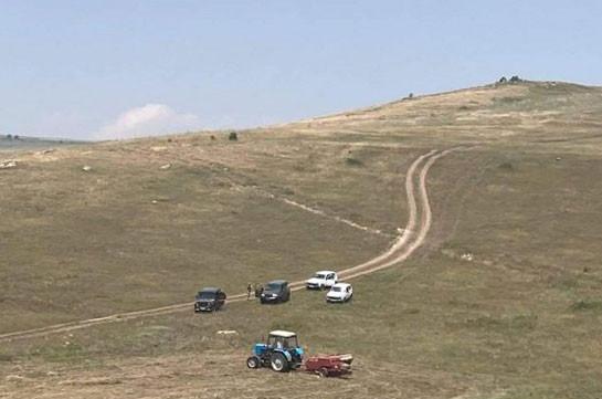 Азербайджанцы угнали автомобиль живущего а общине Тех арцахца и не возвращают – «ФактИнфо»
