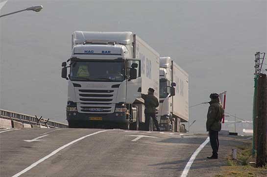 Ադրբեջանը մեկնաբանել է Իրանից Հայաստան մեկնող բեռնատարների ստուգումը