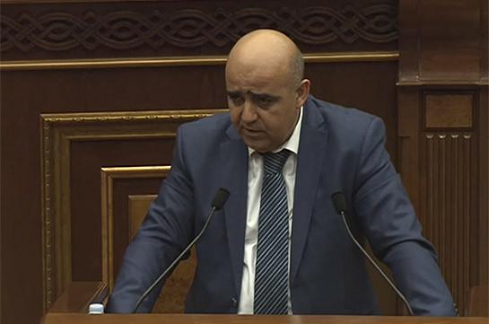 Судья Грач Айвазян отказался ответить, как относится к приказу Пашиняна заблокировать суды