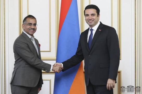 Ազգային ժողովում կվերաձևավորվի հայ-հնդկական բարեկամական խումբ. Ալեն Սիմոնյանն ընդունել է Հնդկաստանի դեսպանին